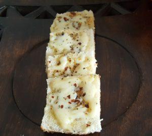 CHEESE GARLIC BREAD (10)