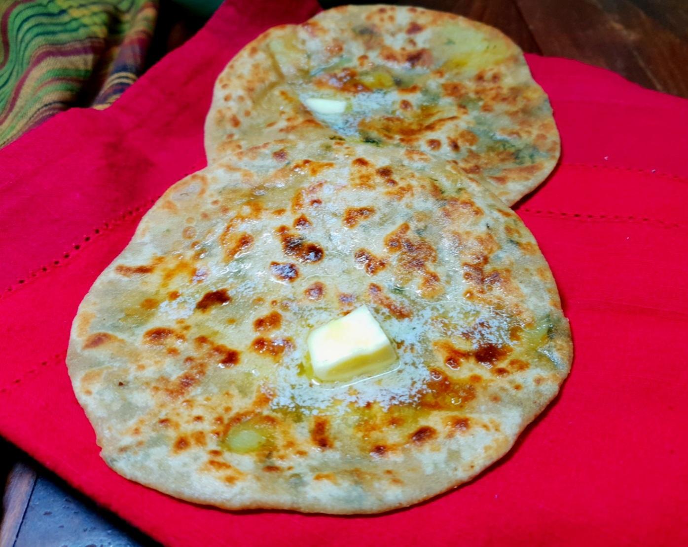 stuffed bathua paratha