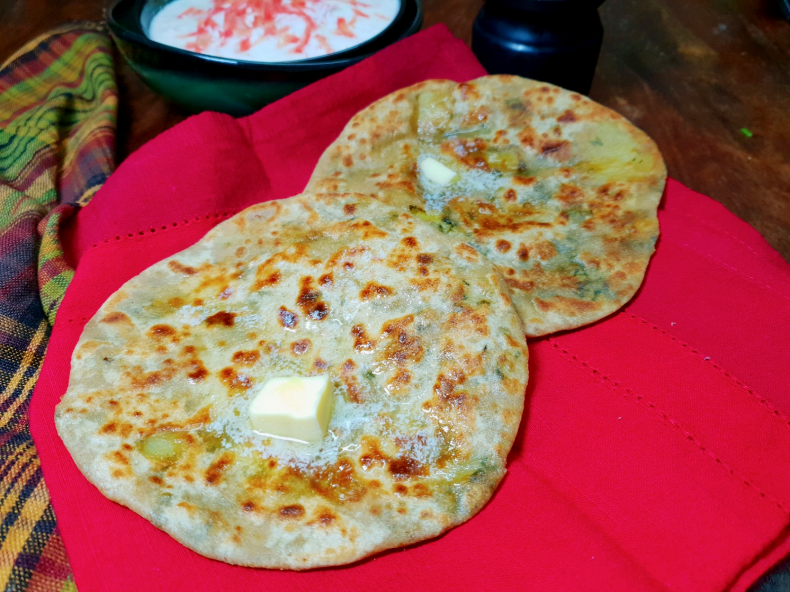 stuffed bathua paratha