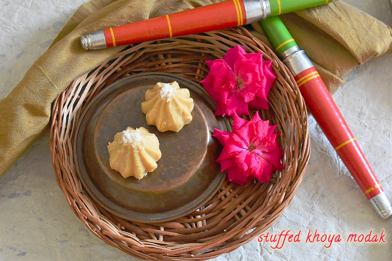 stuffed khoya modak